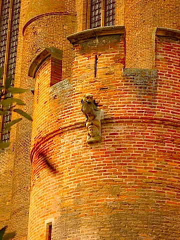gargoyle-at-albi