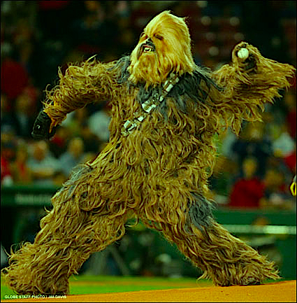 chewbacca-throws-a-pitch